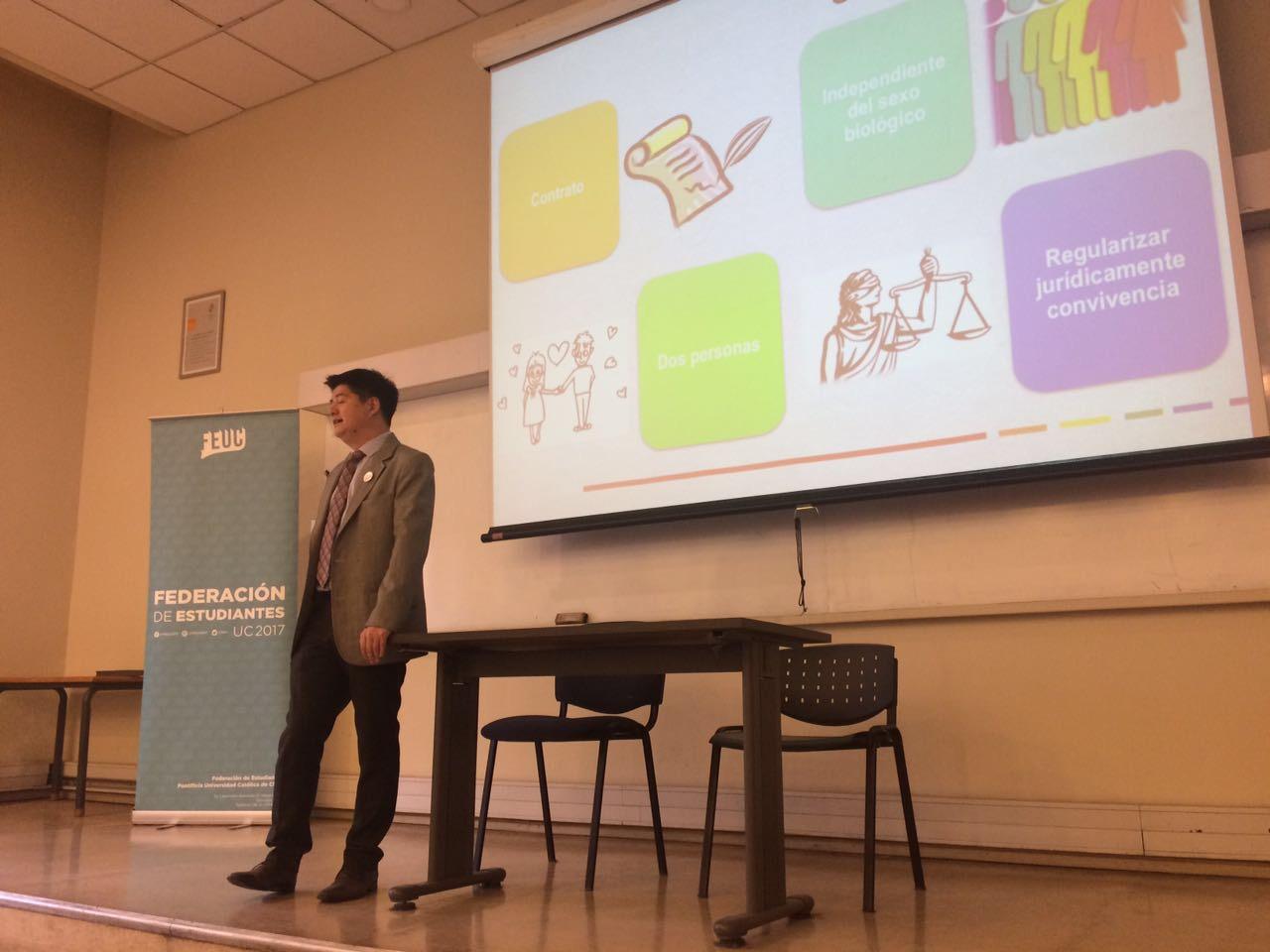 Matrimonio Universidad Catolica : Iguales realiza charla sobre matrimonio igualitario en